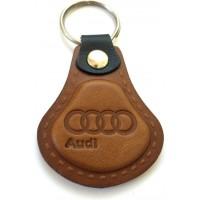 Kožená kľúčenka / prívesok na kľúče Audi hnedá