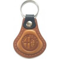 Kožená kľúčenka / prívesok na kľúče Alfa Romeo hnedá