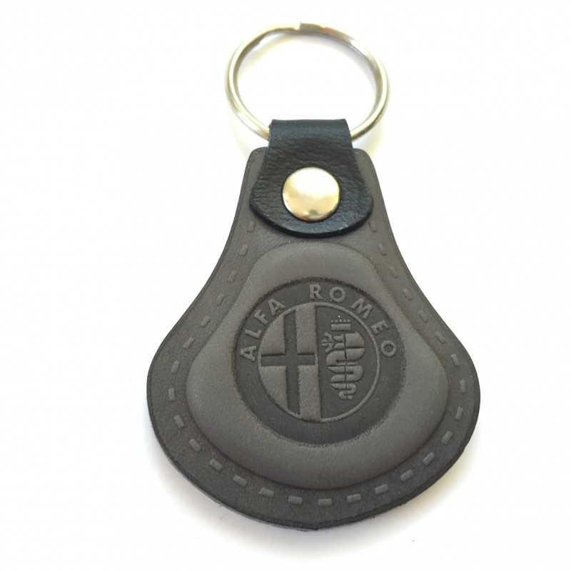 Kožená kľúčenka Alfa Romeo šedá - MDK auto d1988089e1b