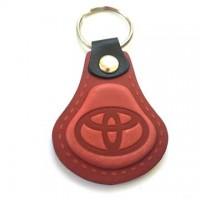 Kožená kľúčenka Toyota červená