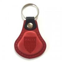Kožená kľúčenka Dacia červená