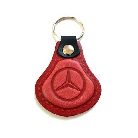 Kožená kľúčenka / prívesok na kľúče Mercedes červená